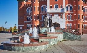 Фонтан-памятник Петру и Февронии