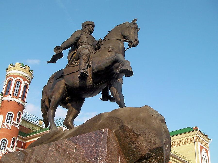 Йошкар-Ола. Памятник И.А. Ноготкову-Оболенскому