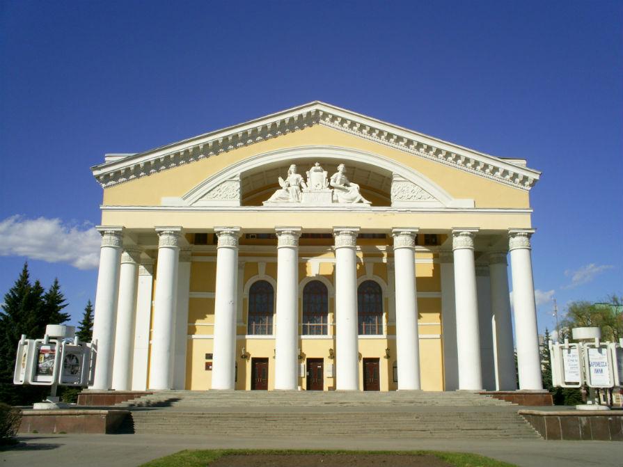 Экскурсии по национальному театру драмы им Шкетана